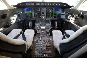 CL-350_SN-20515-Cockpit1